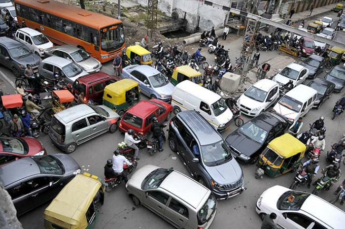 essay on traffic a problem in hindi