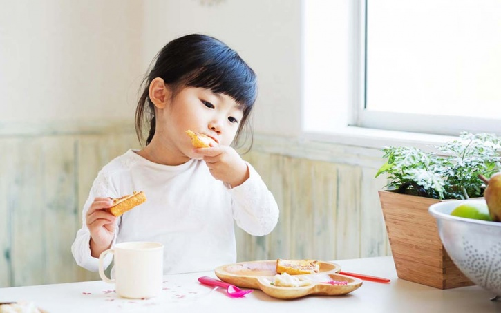 children born in Japan are projected to life a long and healthy life. One of the biggest reasons seems to be their eating patterns