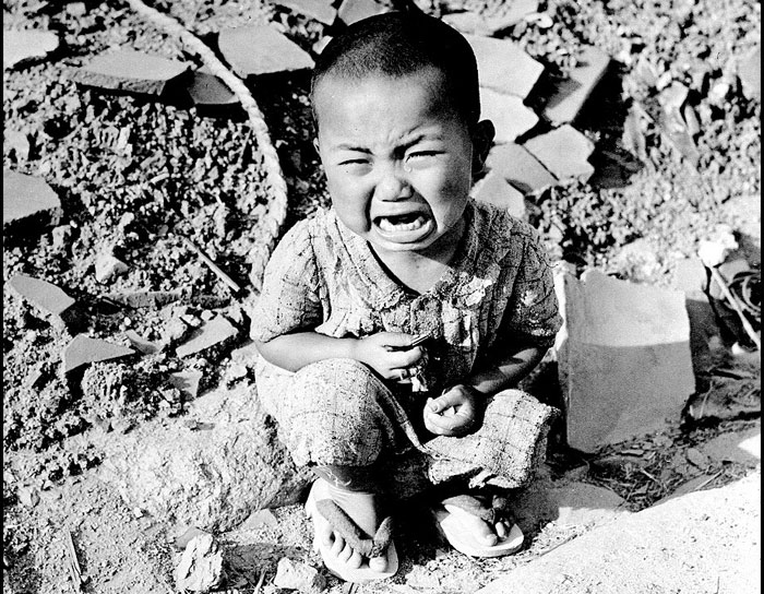 hiroshima killing thousands of people essay After hiroshima and nagasaki, the modern world did see another 46 years of  relatively  if the bomb wasnt dropped, the japanese people would have  we  did not massacre prisoners or kill hundreds of thousands for sport.