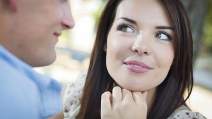 You pick up cues from her questions If a woman starts asking you questions about your schedule and what your routine looks like, she's most likely thinking about being intimate with you. She may also enquire about the privacy in your personal life to check if she can squeeze in some alone time with you.