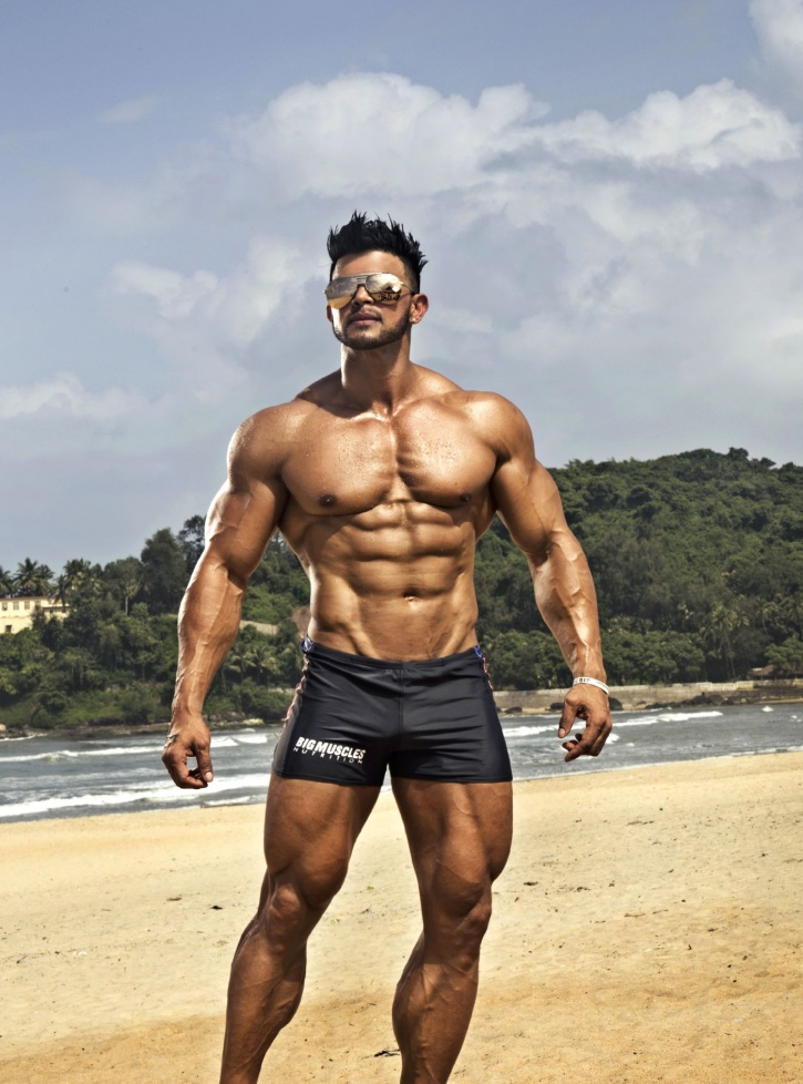 Actor Sahil Khan's Life Is All About Yacht Parties, Babes