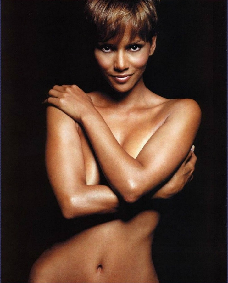 What Does Halle Berry Do To Look 30 At The Age Of 50? She ... холли берри