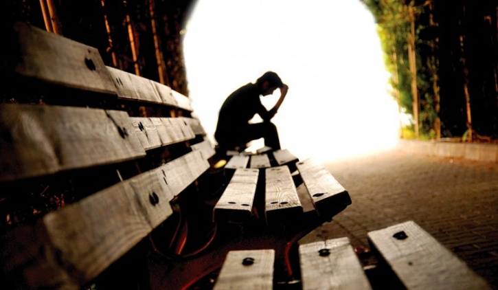 To illustrate the influence of social isolation and loneliness on the risk for premature mortality, Holt-Lunstad presented data from two research reviews. The first involved 148 studies, representing more than 300,000 participants, and found that greater social connection is associated with a 50 per cent reduced risk of early death. The second study, involving 70 studies representing more than 3.4 million individuals from North America, Europe, Asia and Australia, examined the role that social isolation, loneliness or living alone might have on mortality.