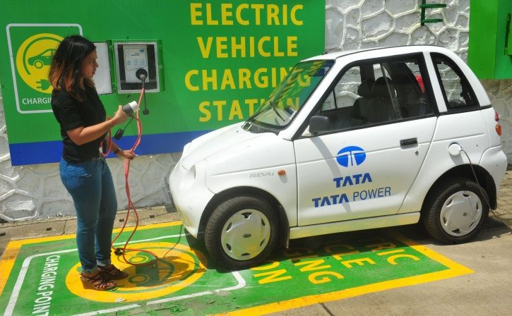 How To Drive A Petrol Car Economically
