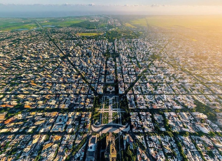 These 21 aerial views of cities from around the world are for Interieur forma buenos aires