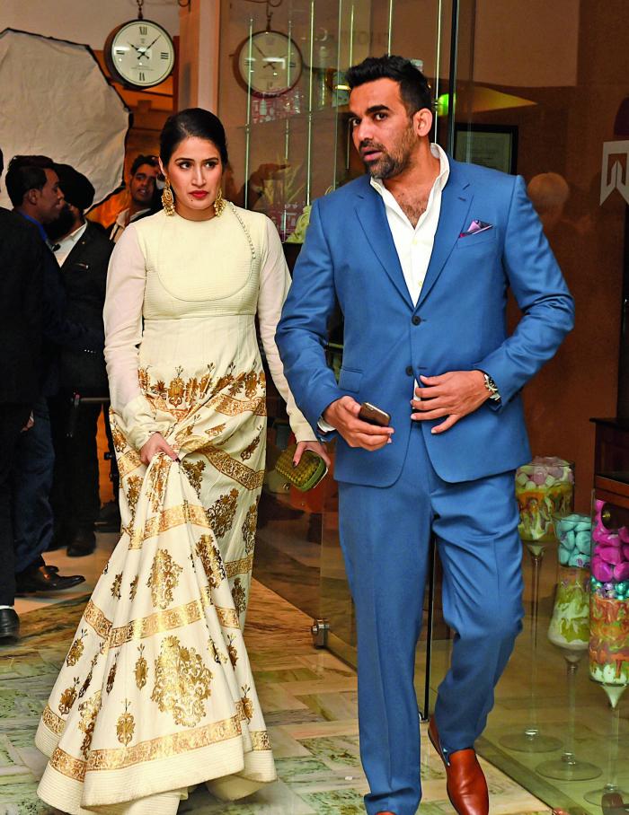 zaheersagarikabccl_1486636954 Zaheer Khan's rumored girlfriend Sagarika Ghagte was trolled on Twitter by Yuvraj singh