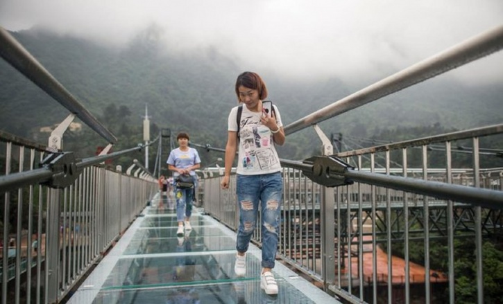 China Brings Worlds Longest Skywalk With Glass Bottom To Reality - China opens worlds longest skywalk