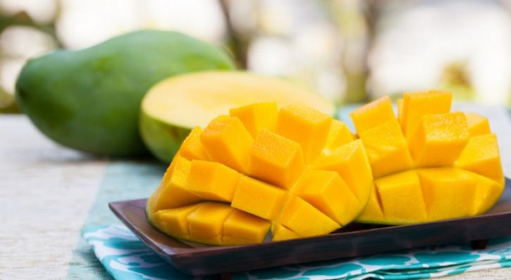 You always thought of mango as that super food that can satisfy any level of craving. But a recent study published in the FASEB journal has shown that this super food has the ability to prevent diabetes and metabolic disorders and has already been documented according to several studies. In fact the study presented at the 2017 Experimental Biology Conference have shown the several health benefits that mangoes have to offer include better blood sugar and blood pressure levels, and better gut health.