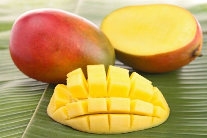 In fact the study presented at the 2017 Experimental Biology Conference have shown the several health benefits that mangoes have to offer include better blood sugar and blood pressure levels, and better gut health.