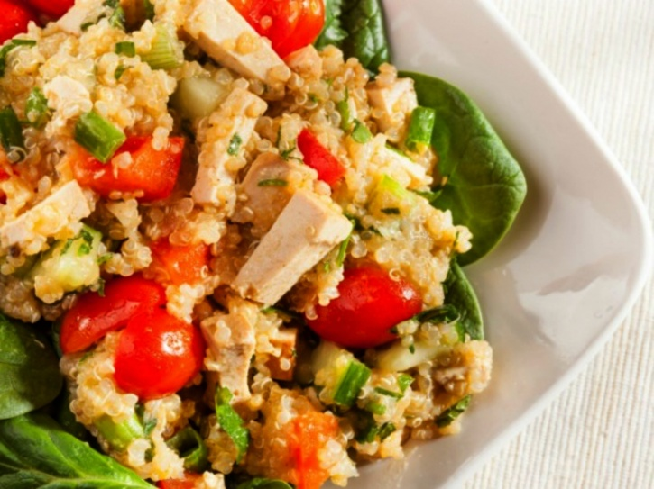 Trying Really Hard To Lose Weight Try This Quinoa Cottage Cheese Salad It Is Loaded With Nutrients Energy And Will Definitely Help You Lose Weight