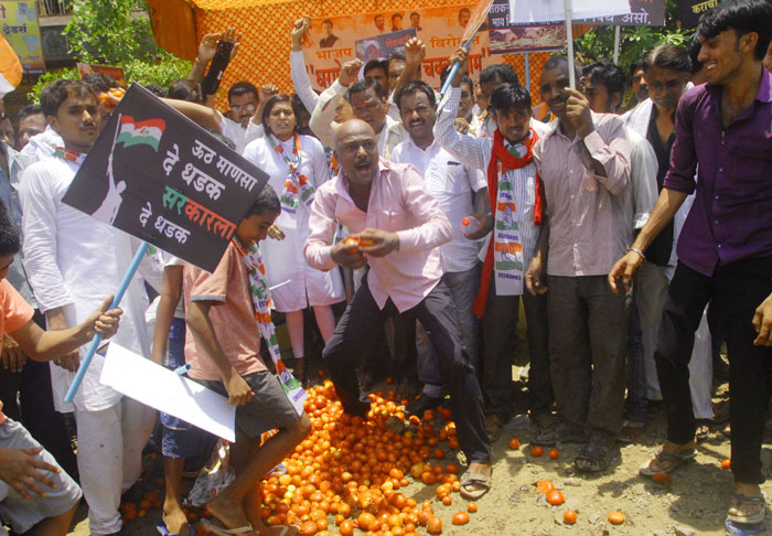 Maharashtra govt announces loan waiver for farmers