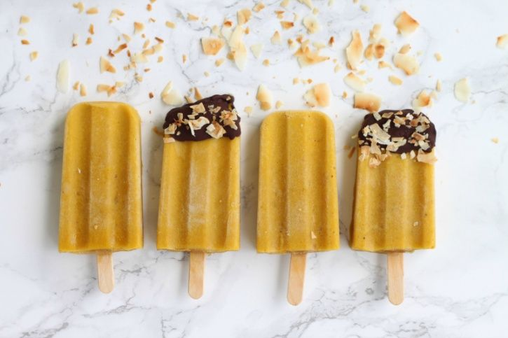 Luckily for us there's a new book, Glow Pops: Super-Easy Superfood Recipes to Help You Look and Feel Your Best, by Liz Moody of Sprouted Routes that has an entire section that is devoted to super healthy smoothie pops