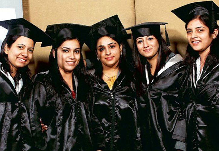 'Cultural Attire' To Replace Convocation Gowns In a ...
