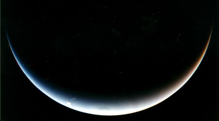 Post encounter view of Neptune from the Voyager 2 - NASA