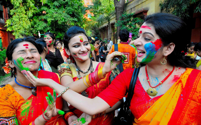 protect your skin and hair during Holi