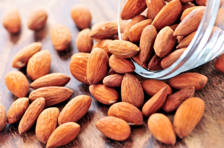 Naturally occurring saturated fats almonds