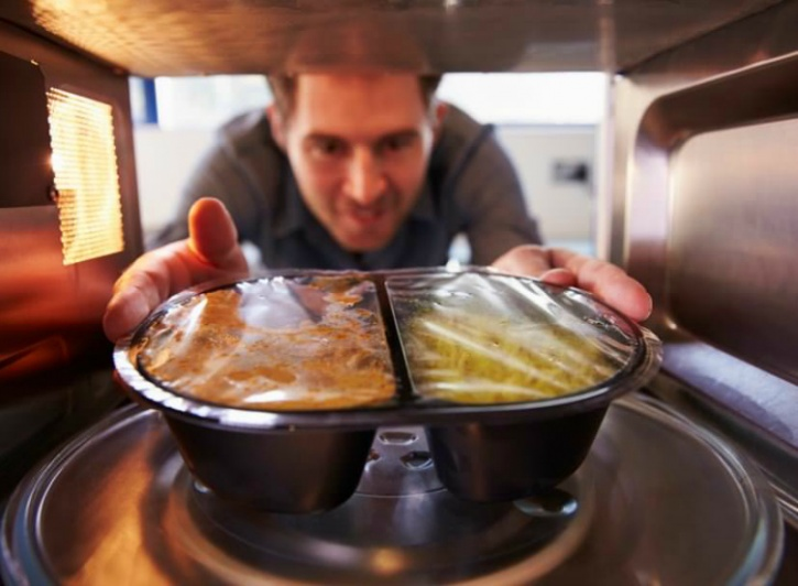 Some points to keep in mind when it comes to reheating foods