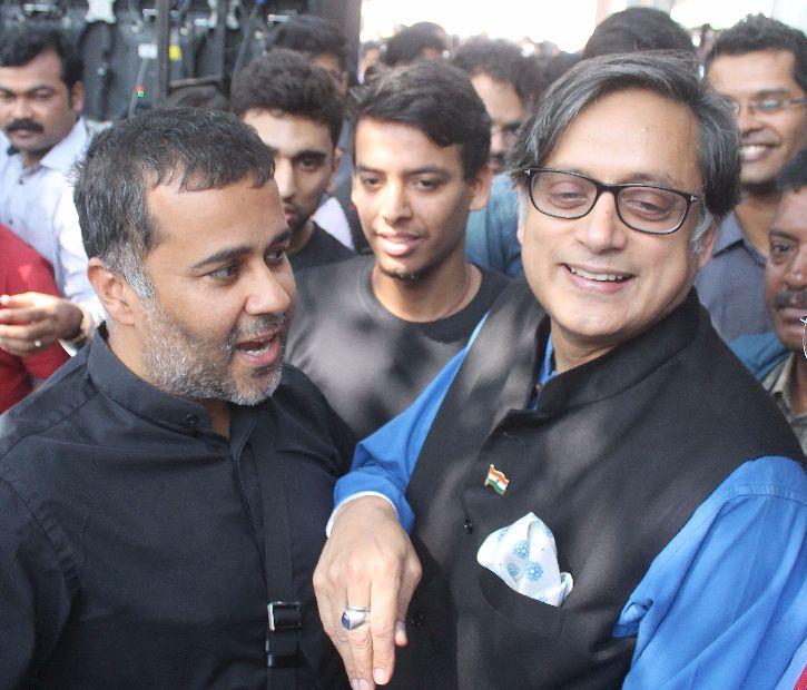 Chetan Chagat, Shashi Tharoor