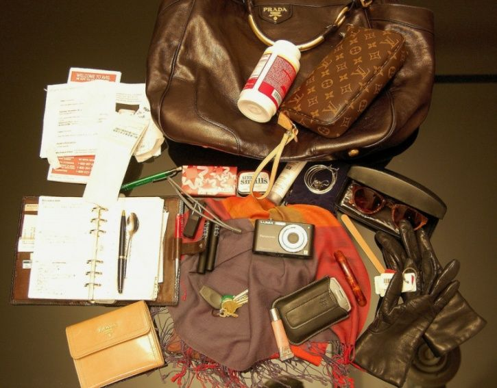 Not de-cluttering your handbag Hanbags and wallets come into constant contact with your hands; and are also riddled with germs, which could include norovirus, MRSA and E. coli. You can keep the germs in the bag to a minimum by placing your handbag on a hook when using the bathroom. While vacuuming inside your bag and wiping down the exterior with an antibacterial cloth will help keep it sanitary.