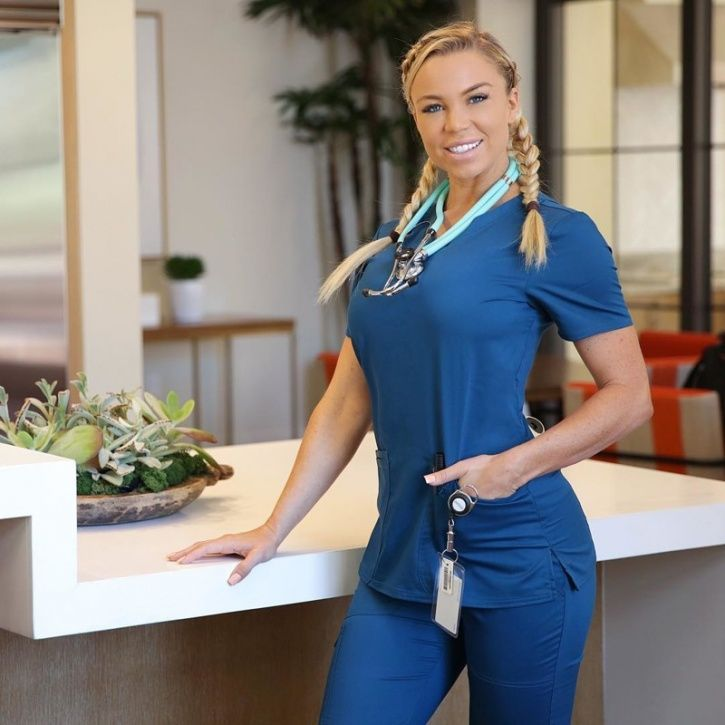 Lauren Drain, 31, a fully trained cardiac nurse and personal trainer from Florida is being touted as the hottest nurse with over a fan following of over 3.6 million followers on Instagram. Apart from her fan following she began her career in in healthcare at the age of 16 and has been a registered cardiac nurse for over eight years. Amazingly Lauren achieved this ultimate feat by working through various roles in her career, including gruelling 13-hour workdays.