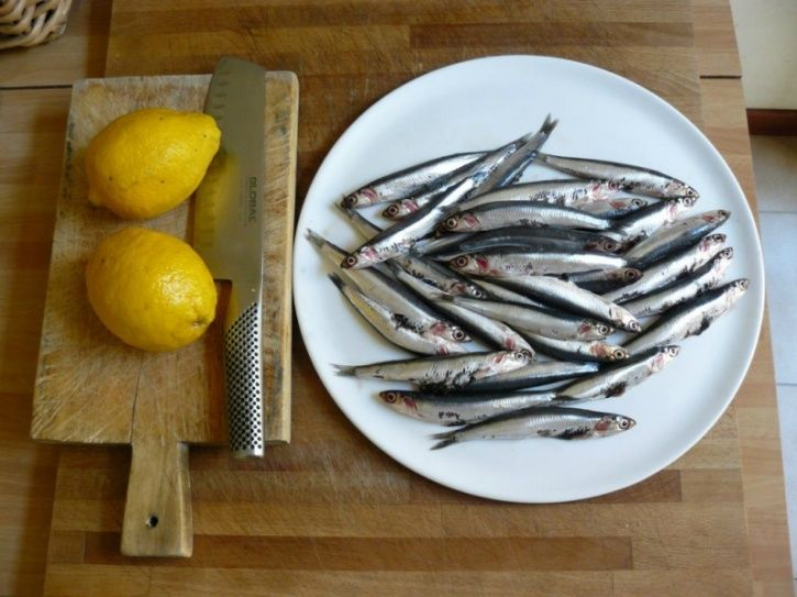 Here's a list of foods that are loaded with these two amino acids that you're ought to consume if you're starting off with a diet: Anchovies