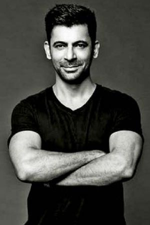 Everything You Need To Know About Sunil Grover Aka Gutthi ...