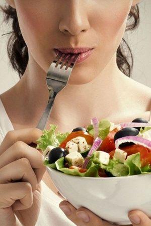 salad eating
