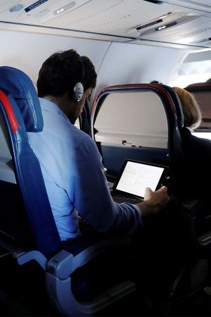 TRAI Allows Wifi And Mobile Services On Board For Flyers In And Over India