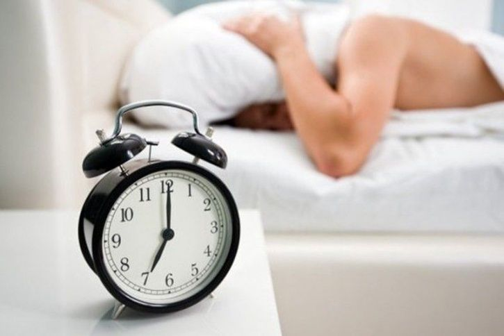 7 Tricks To Motivate Yourself To Get Out Of Bed And Workout Every Morning