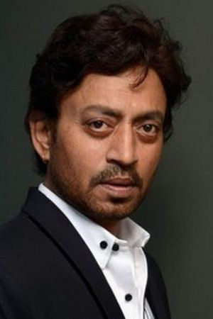 First Pic Of Irrfan Khan Post His Cancer Treatment Goes Viral Were Happy To See Him Smiling
