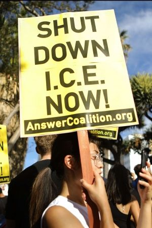 Immigration ICE detained prisoners