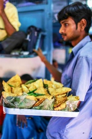 Railways To Deploy Undercover Men To Check If Dirty Food Isnt Offered To You On Trains