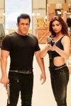 These Hilarious Reactions To Salman Khans Race 3 Are Way More Entertaining Than The Movie