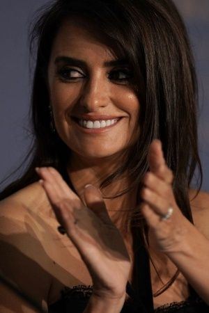 Penelope Cruz Javier Bardem Say They Get Equal Paycheques