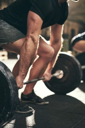 Turns Out Weightlifting Is Better Than Walking Or Cycling For Your Heart Health