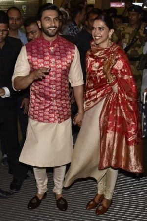 With Smile On Faces Happiness In Hearts Ranveer Singh Deepika Padukone Land In India As Married
