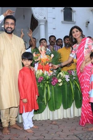 Salman Khan Raises The Curtain On Bigg Boss 12 Shilpa Shetty Bids Farewell To Lord Ganesha More F
