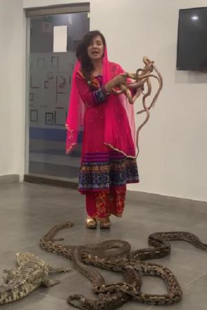 Pakistani Singer Rabi Pirzada Who Threatened PM Modi Of Snake Attack Faces 2 Years Of Jail Term