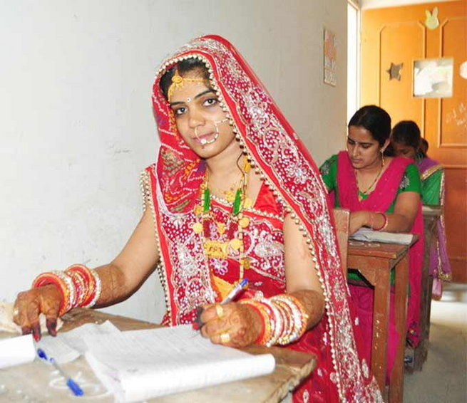 More Power To You: Rajasthani Bride Writes Exam On Her