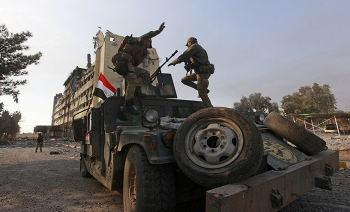 Iraqi Forces Reach The Tigris River In Mosul To Drive Out ISIS