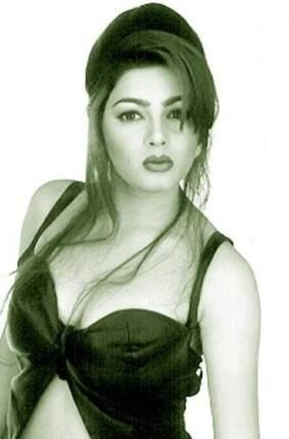 Hot pics of Mamta Kulkarni - Indiatimes.com