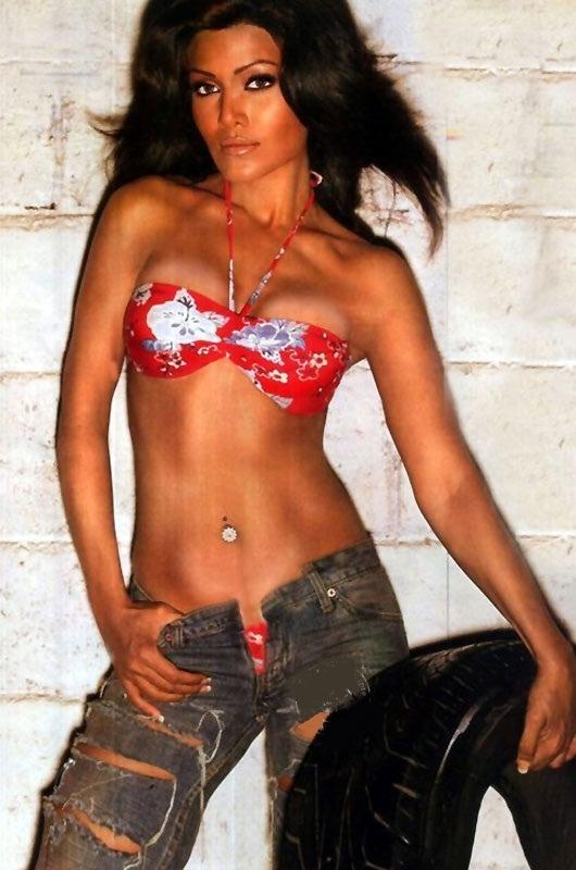 Koena Mitra Nude Photos 36