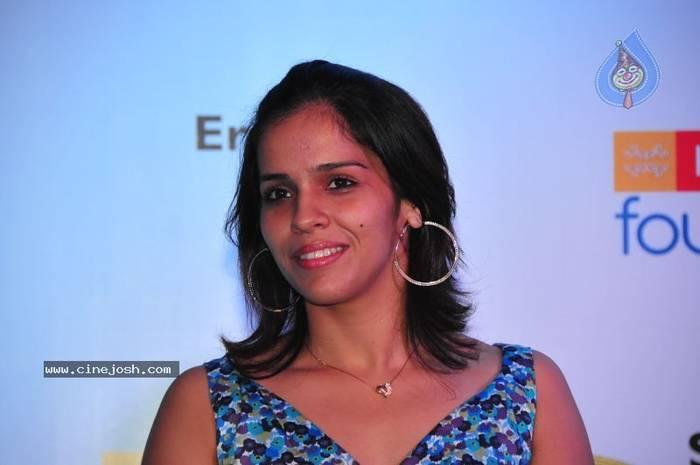 Asian Games 2018: Saina Nehwal marches into quarter-finals