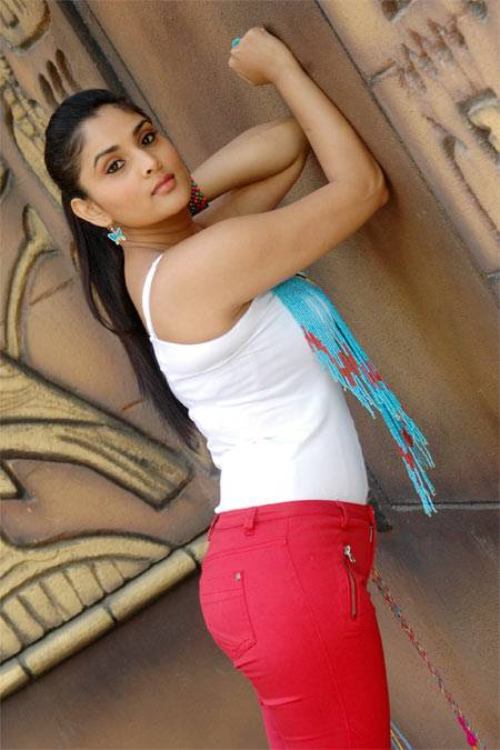 New Hindi Movies Download - Bollywood Hungama