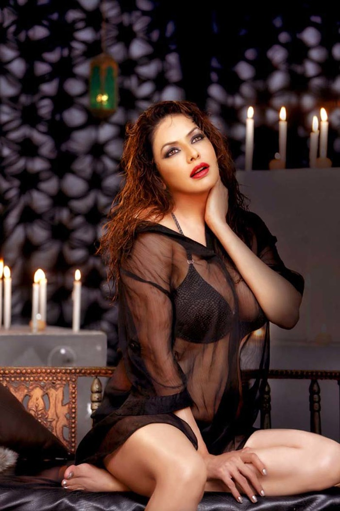 Hot Photoshoot By Bollywood Actresses - Indiatimescom