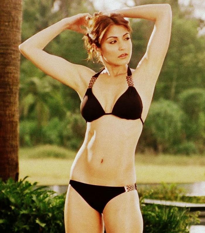 Anushka Sharma Body In Bikini Indiatimes Com