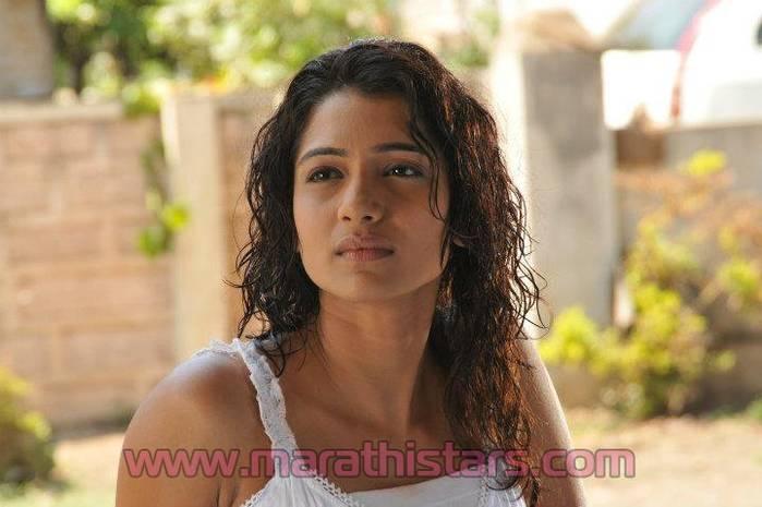 Sandys album indiatimes 13252398 mrunal dusanis marathi actress thecheapjerseys Image collections