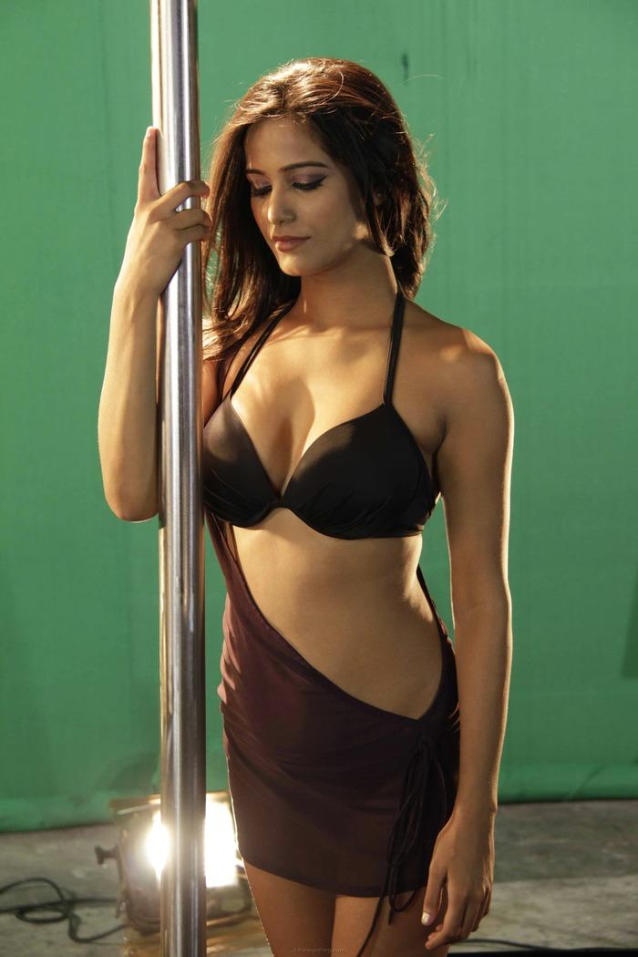 Poonam Pandey Hot Pics - Indiatimescom-4689