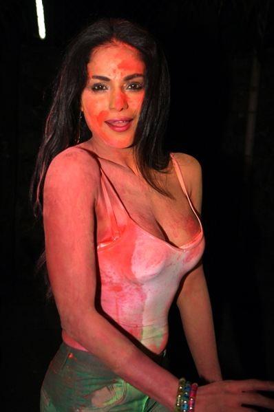 lien-naked-top-labnani-model-naked-pics