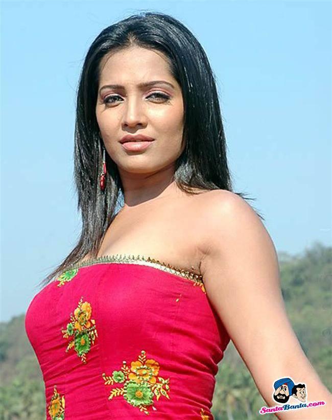 Meghna Naidu Nude Photos 68